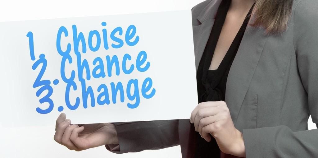 公務員や主婦が副業として株式投資を始める人が増えています。